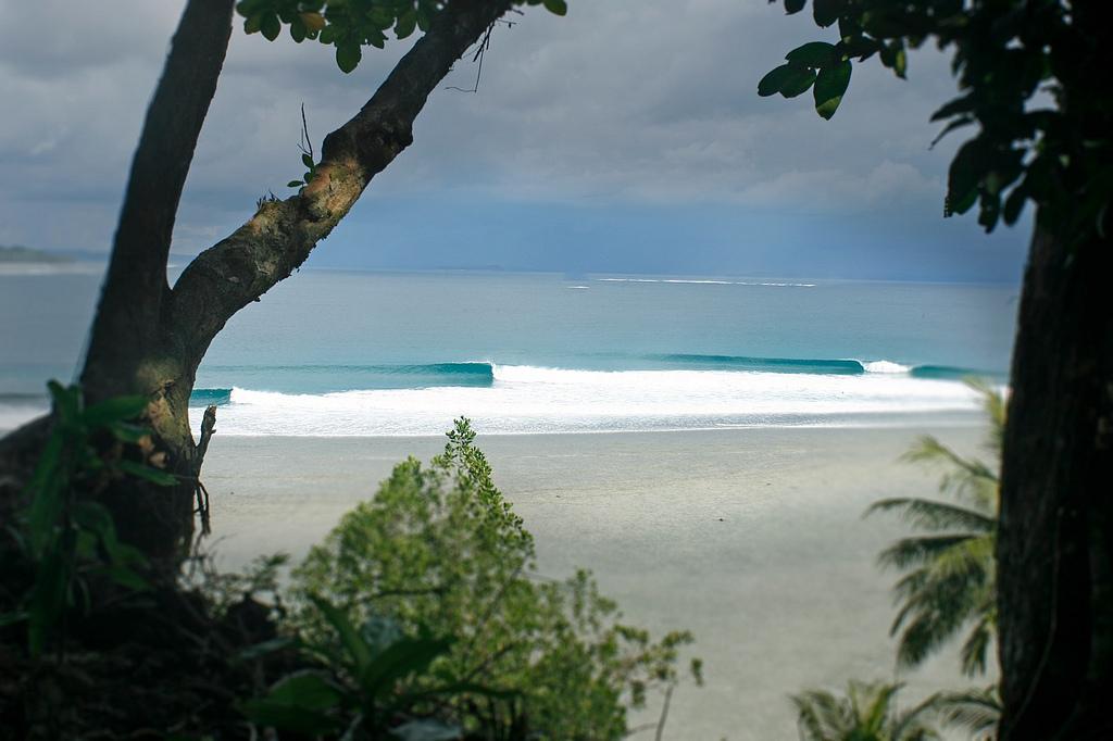 Telo Island Surf House