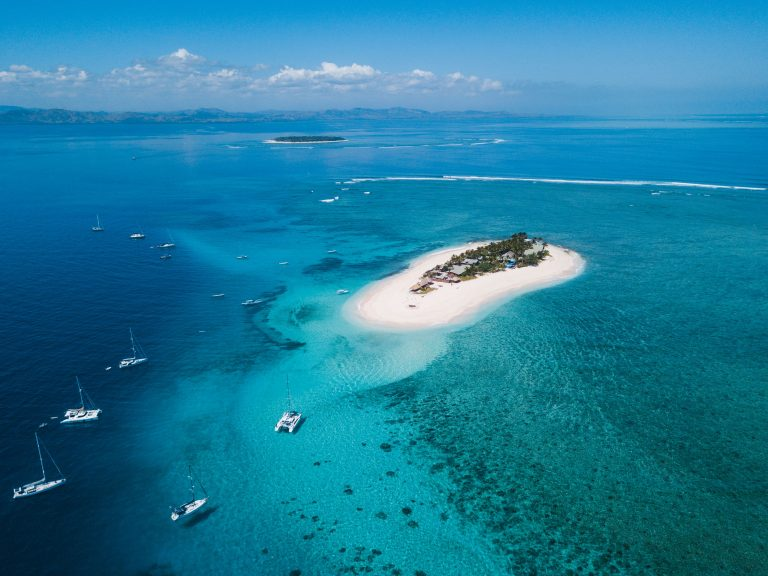 Namotu Island Resort Atoll Travel Waterways Travel Fiji Surfing Cloudbreak